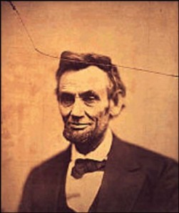 abraham_lincoln_cracked_portrait